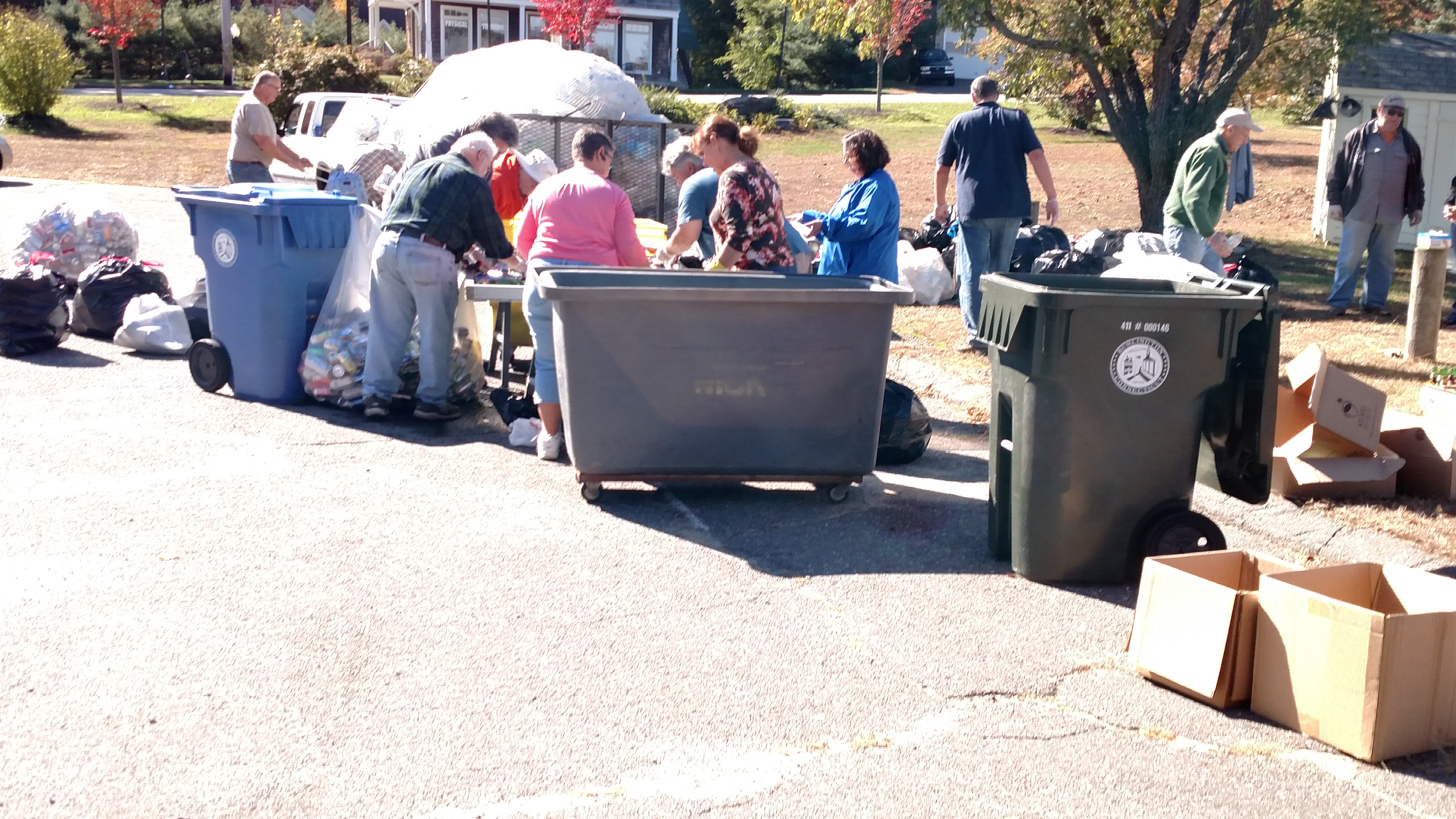 October 2015 Can & Clothing Drive (3)